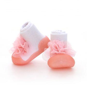 Pirmi batai kūdikiui Attipas